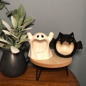 ghost and bat halloween decor